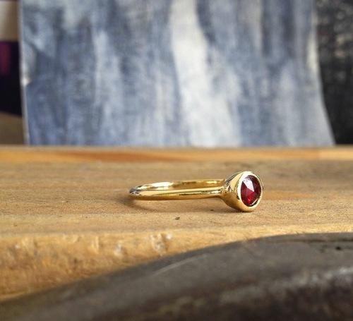 Alice Roche gold ring