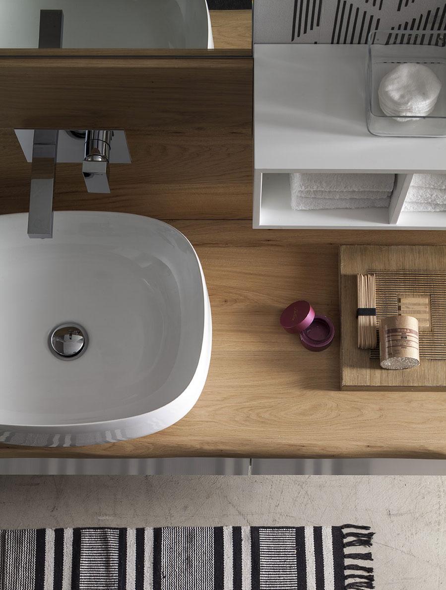 TOP CORTECCIA - I top Corteccia,con il bordo ondulato, sottolineano la matericità del legno e creano composizioni molto originali.
