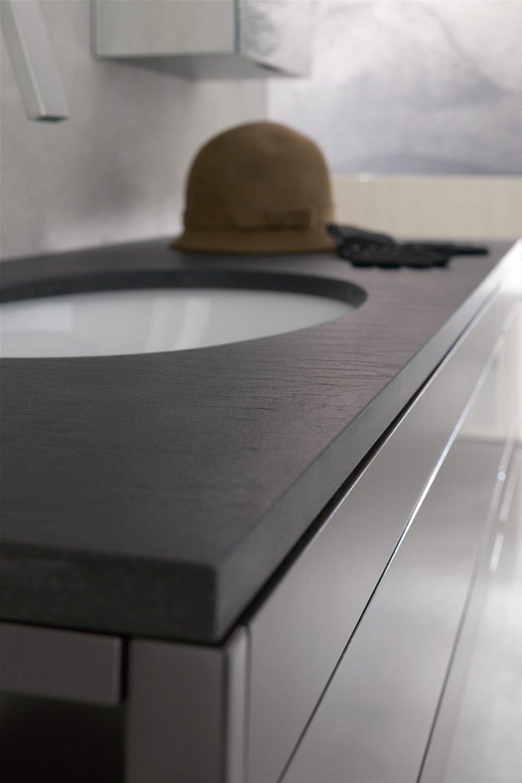 Top in laminam - I top in laminam completano le composizioni laccate conferendogli un tocco di eleganza, grazie alle texture e alle diverse colorazioni.