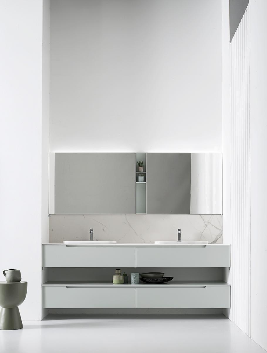 2. Eleganza - Un modello minimal di grande personalità, che valorizza la matericità delle finiture. Disponibile in oltre 50 tonalità laccate da abbinare ai nuovi piani in gres effetto marmo.