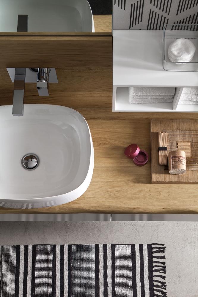 Top Corteccia - I top Corteccia, con il bordo ondulato, sottolineano la matericità del legno e creano composizioni molto originali, garantendo un effetto naturale.