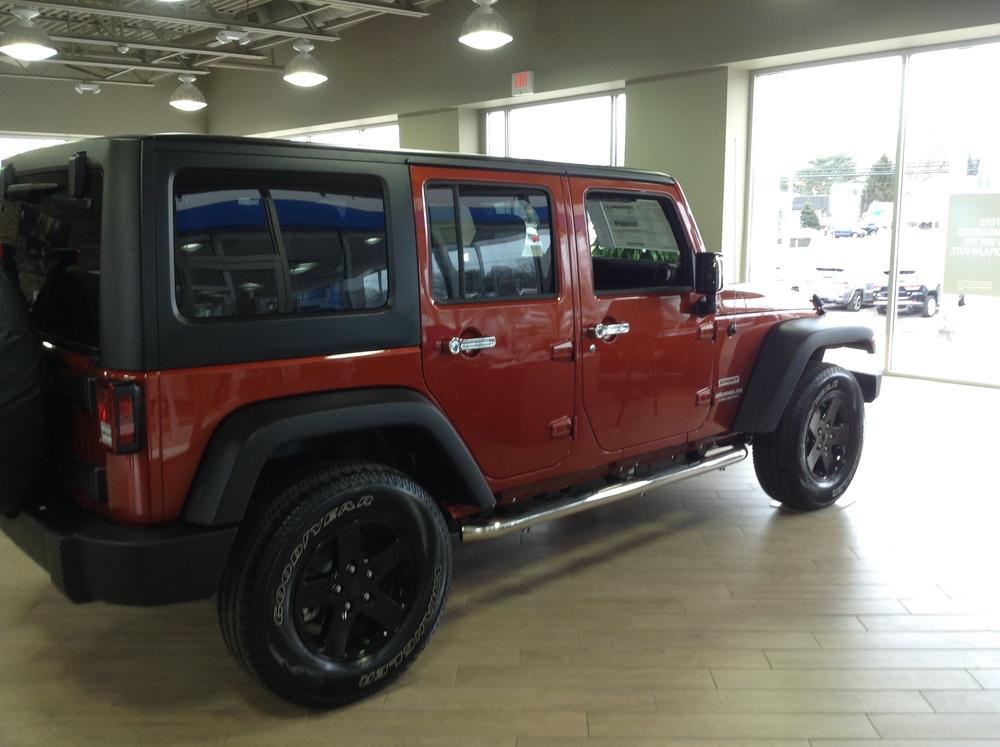 Black Painted Wheels - Jeep Wrangler1.JPG