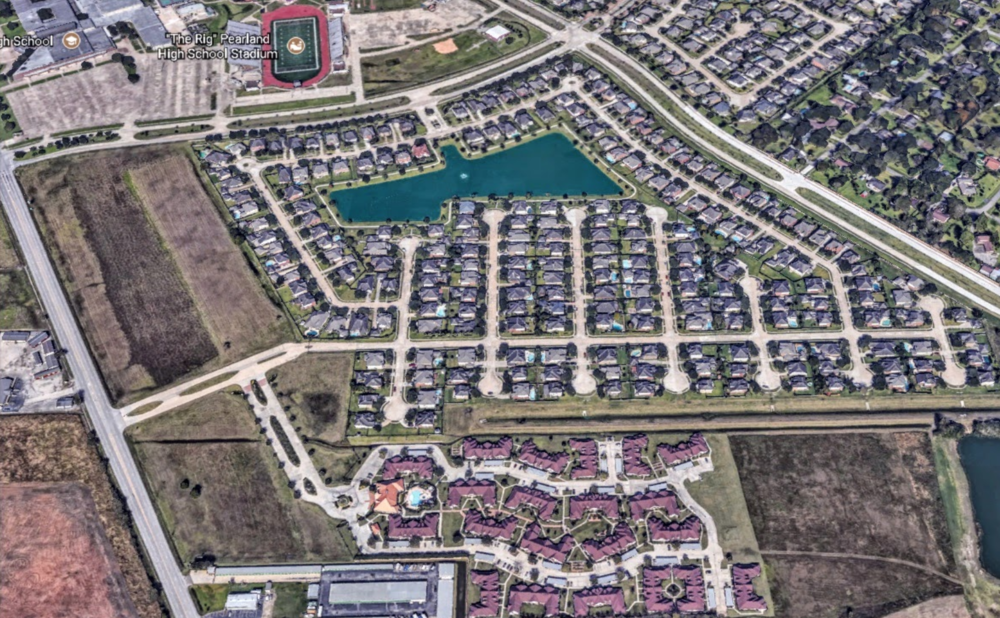 Towne Lake - REI surveyed and designed the civil plans for the Towne Lake detention pond, Pearland Parkway, and English Lakes Blvd.