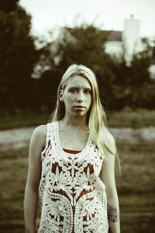 Emily-74.jpg