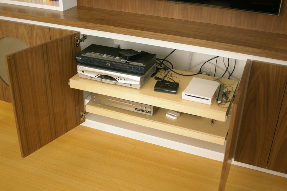mediaCabinet-03.jpg