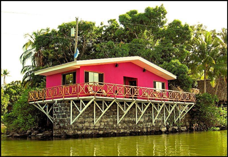 Casa Iván Alvarez, Las Isletas en Granada, Lago de Nicaragua. 2007