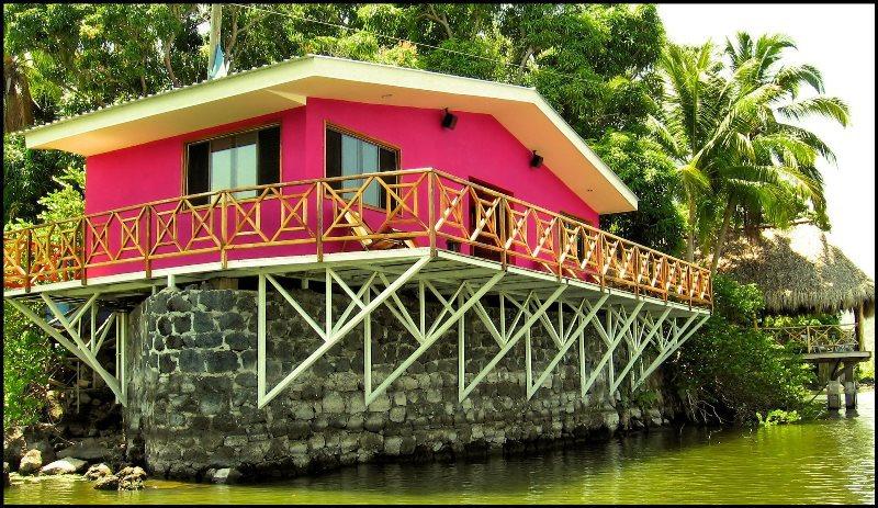 Casa Iván Alvarez, Lago de Nicaragua. 2007.