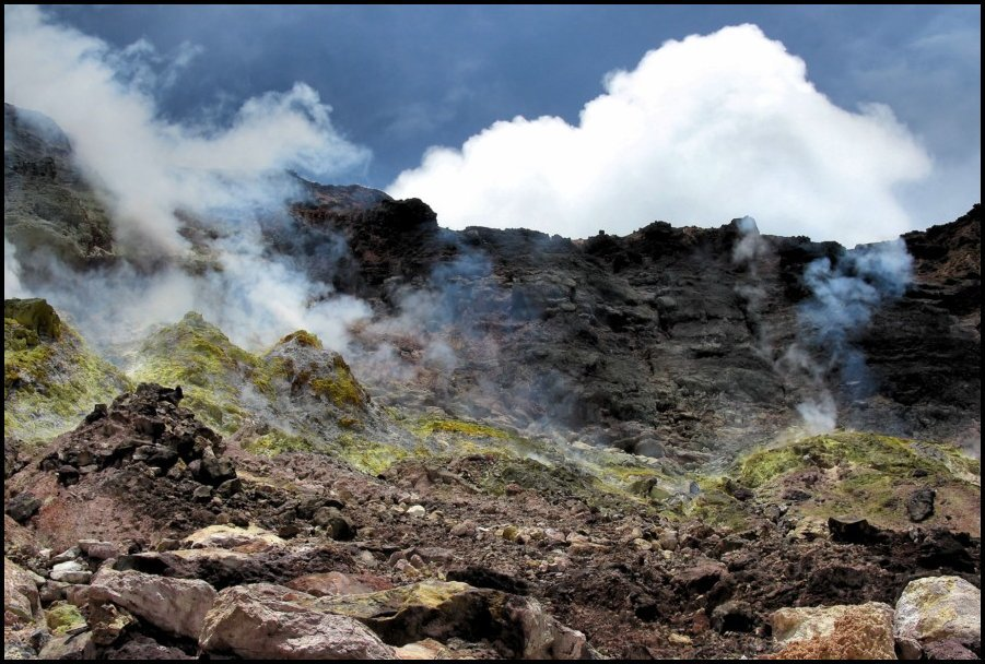36- Momotombo Volcano- León, Nicaragua- Inside the crater