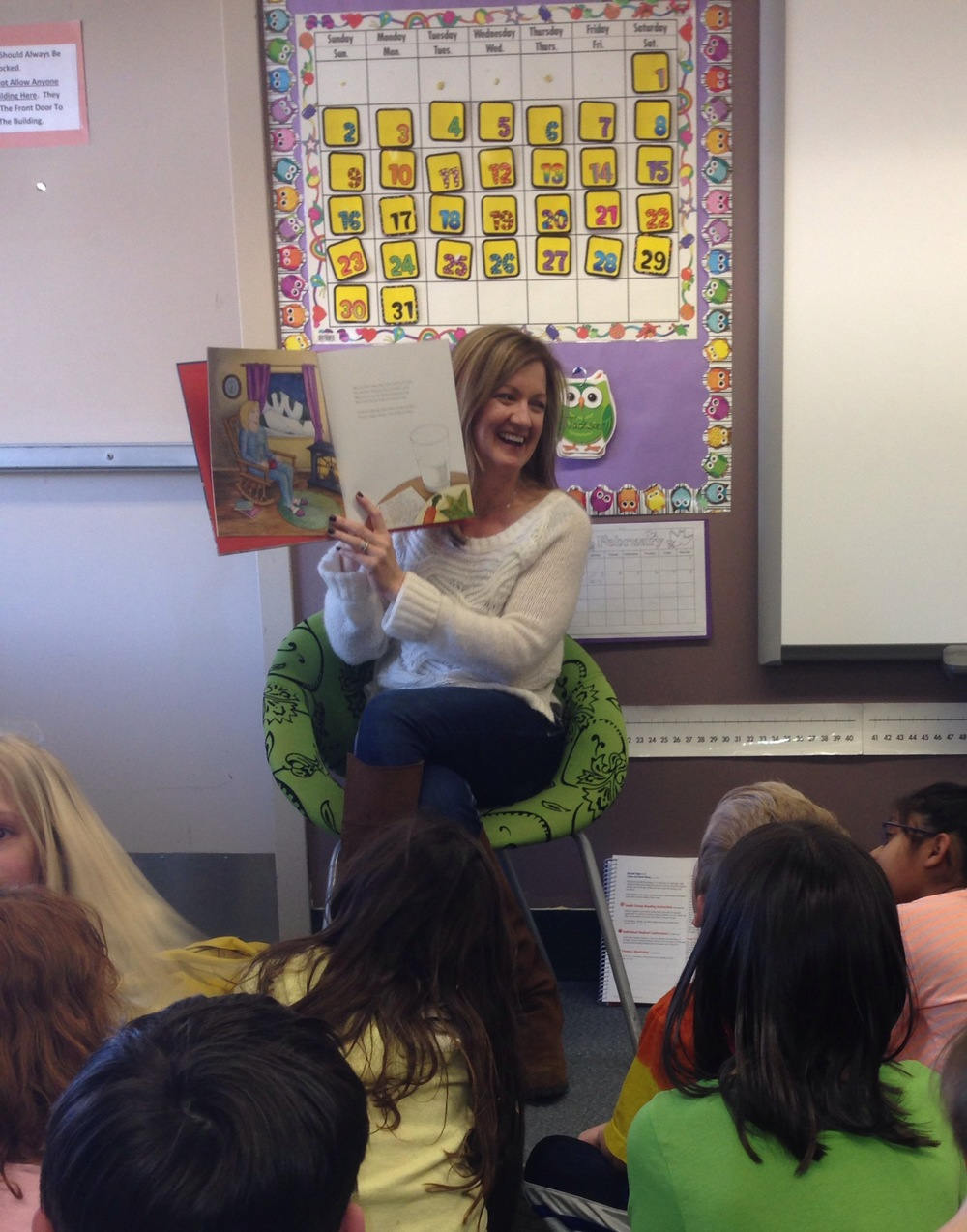 I LOVE reading aloud! © 2014