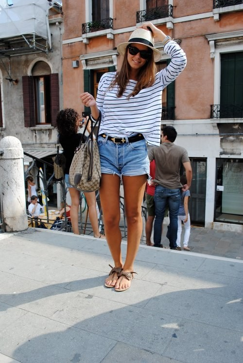 A bit 90s, a bit loosey-goosey, not too short or too low in the waist. | weheartit.com