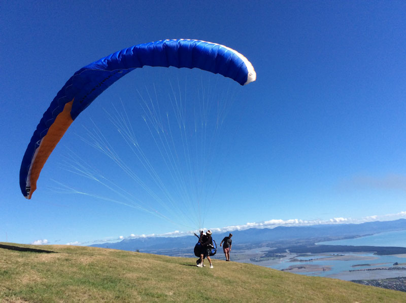 Hang gliding in New Zealand