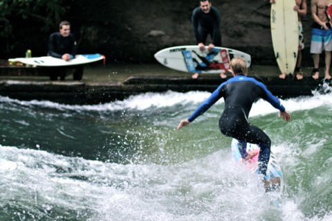 surfers-river-munich-germany-480x319.jpg