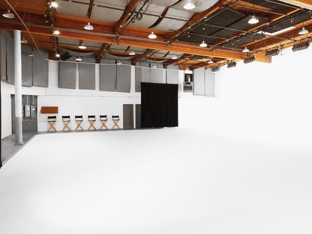 studio-rental_bg_002.jpg
