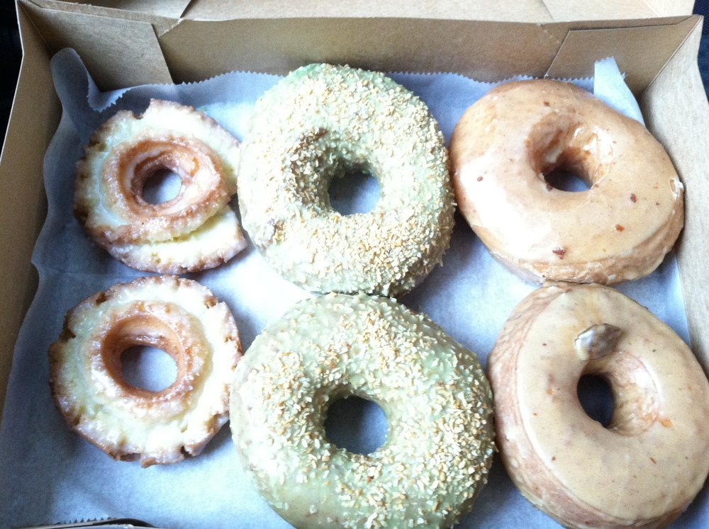 Picture from a previous purchase: Old Fashioned, Pistachio with coconut flakes (Flavor of the week), Glazed Chestnut