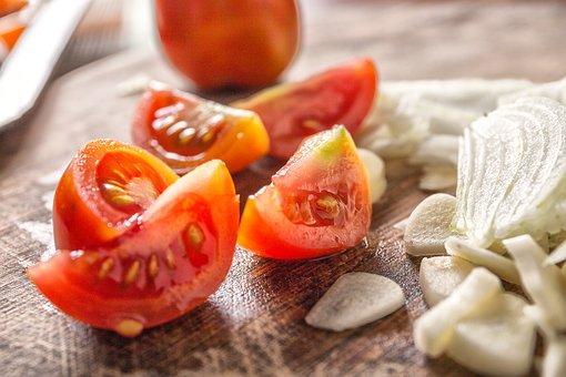 tomato-2974077__340.jpg