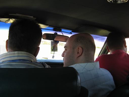Mannetjes in de taxi