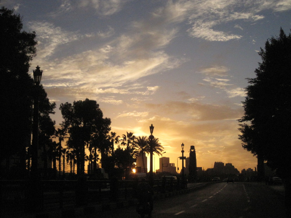 Sunset at Qasr el Nil - bridge.