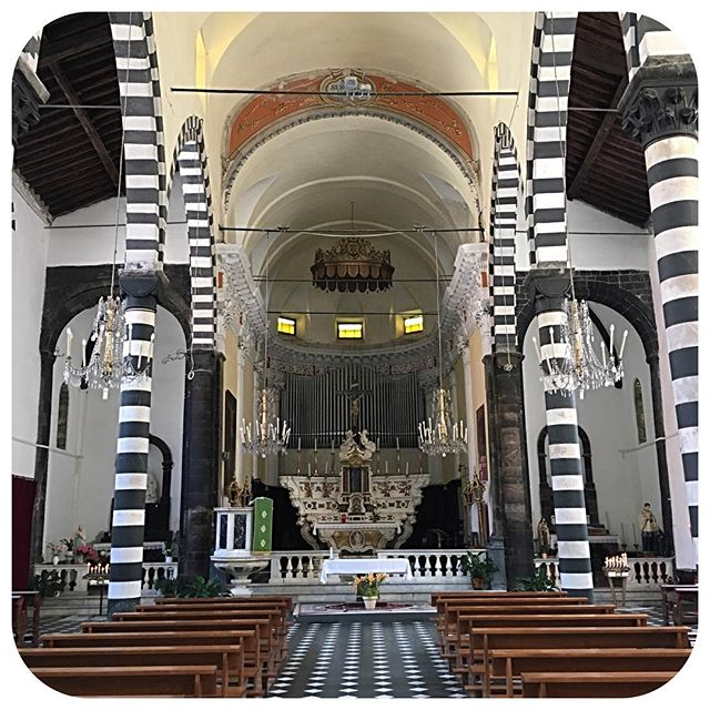 Coolest church ever!! #italy #blackandwhite #cinqueterre
