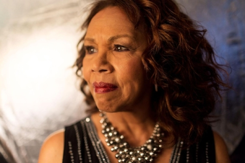 candi_staton_photo_color_Ellius3-1350x900.jpg