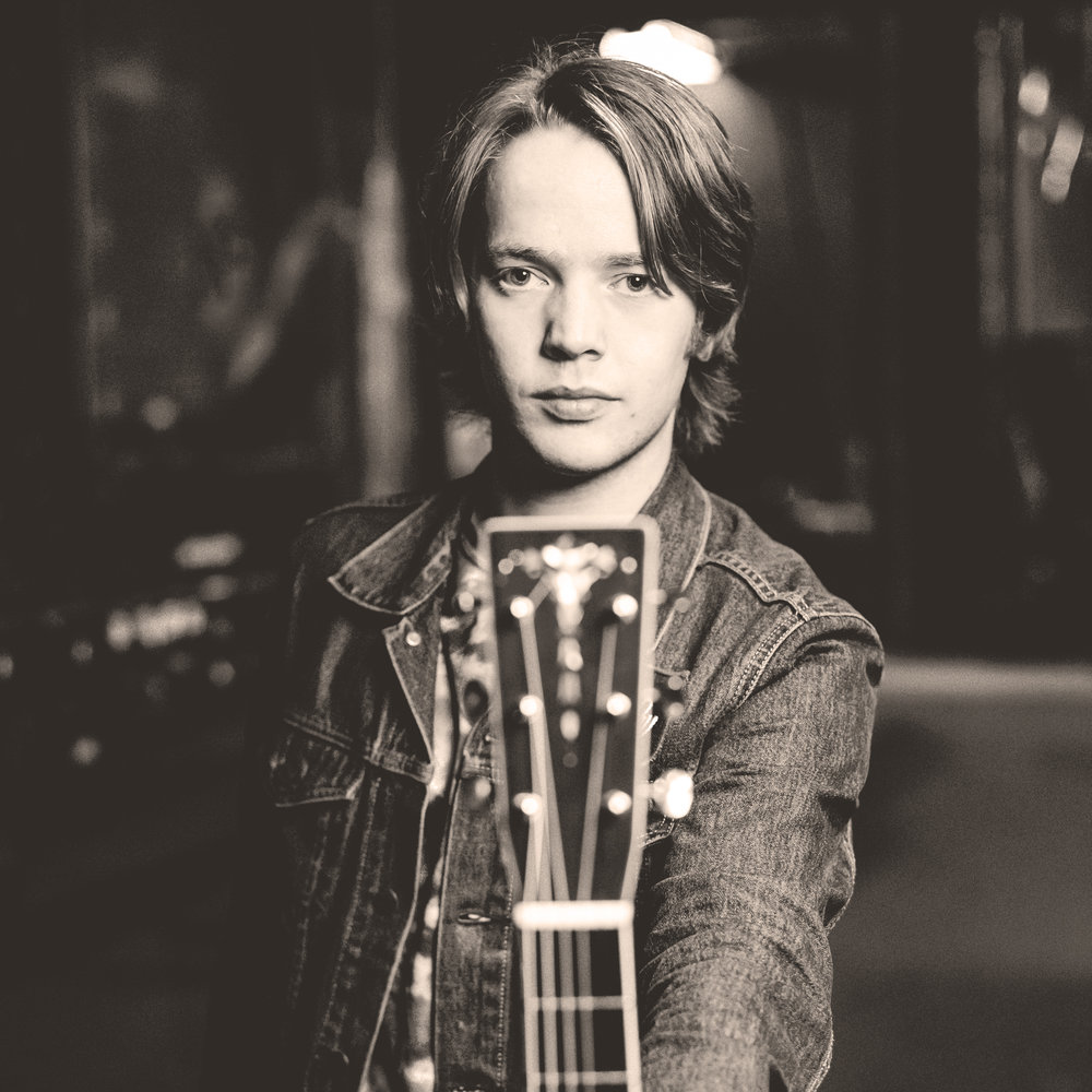 BillyStrings_JFaatz_Jan2018_2.jpg