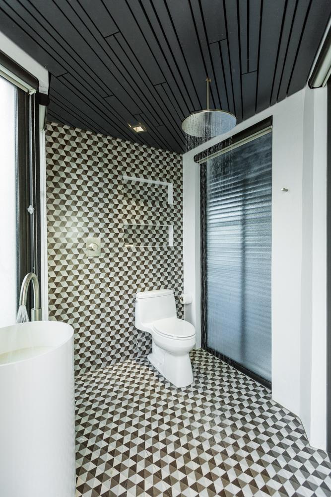 VILLA INSPIRATO - RETRO BATH