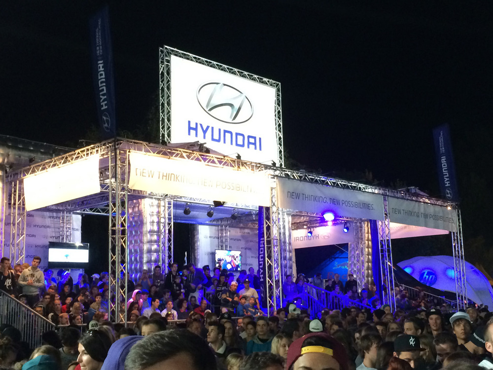 Freestyle_PENGland-AG_Hyundai-by-night.jpg