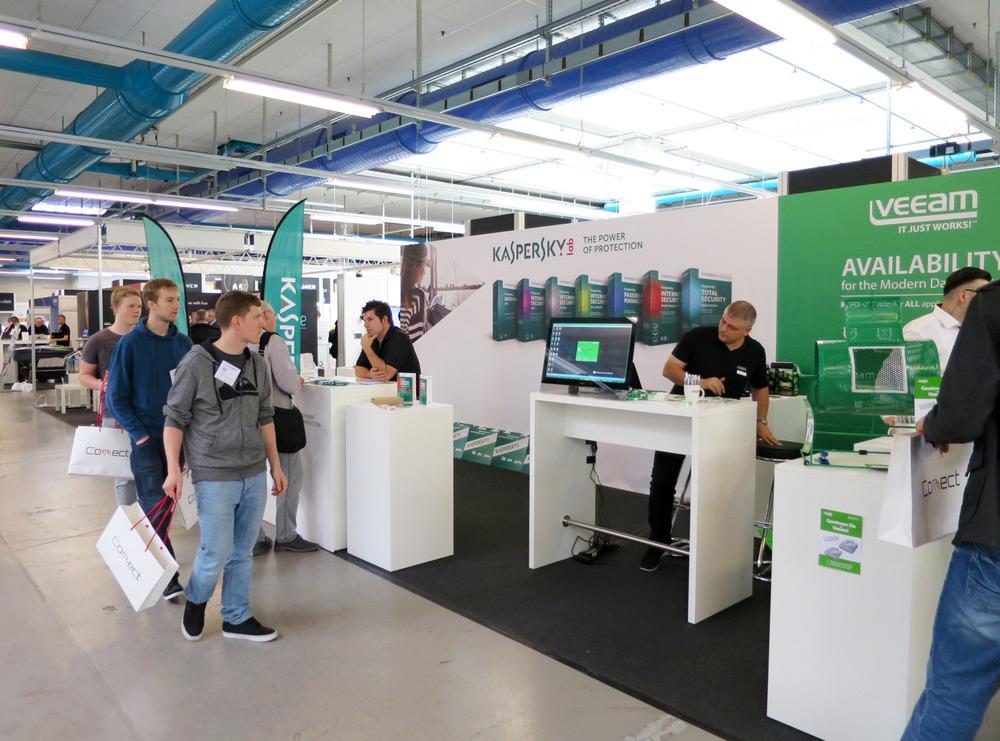 PENGland-AG_Erlebnisbericht_Competec-Hausmesse_Brack-&-Alltron-(20)_web.jpg