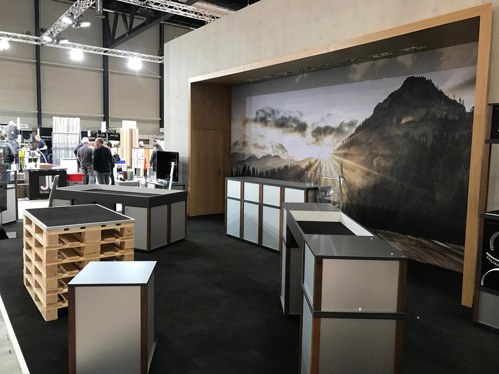 PENGland-AG_Stucky_Suisse-Floor_web2.jpg