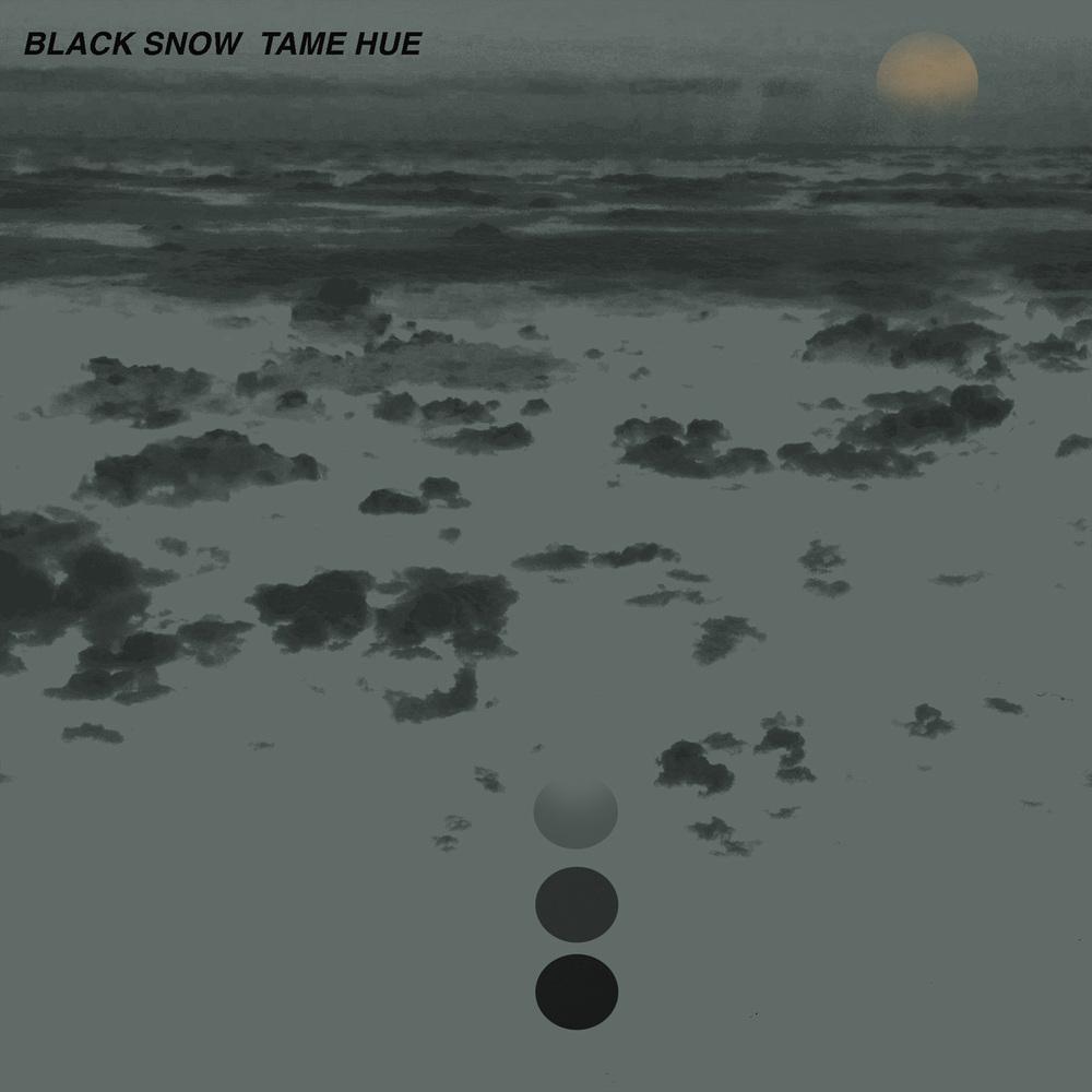 """Albumet Black Snow är nu ute! Inspirerad av Michail Bulgakovs """"svart snö"""". Bräckliga karaktärer som dras från storhetsvansinne till att bryta ihop för att sedan resa sig igen. Ett konstant upprepande mönster av operahjärtan som dör hårt för kärleken."""