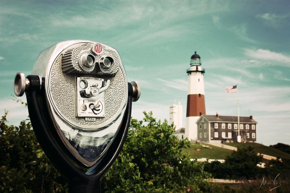Montauk-lighthouse-binoculars.jpg