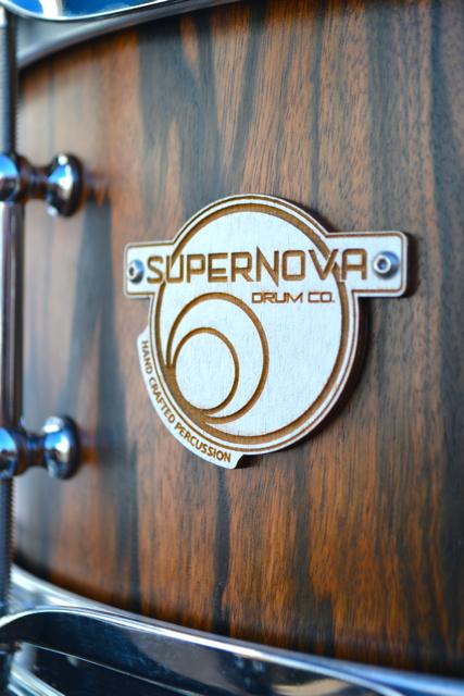 Wooden : Cutout Logo