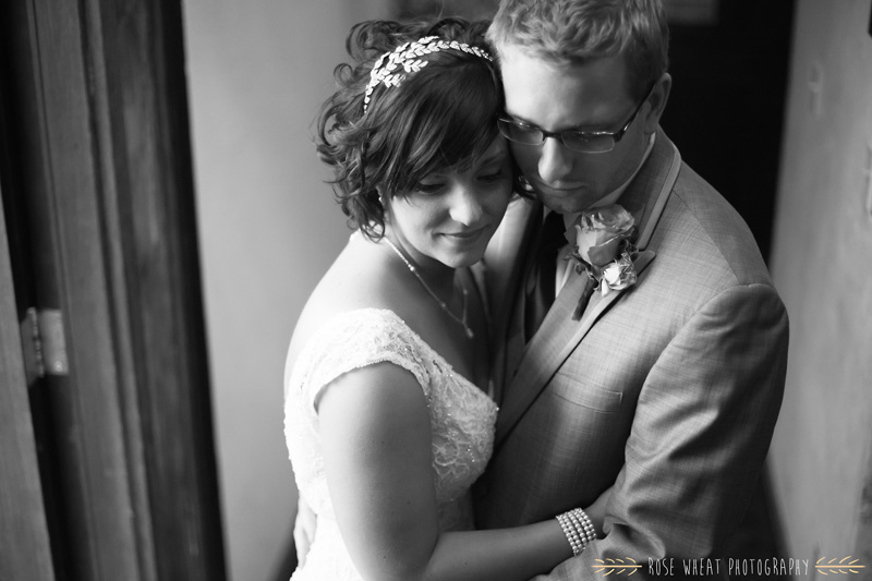 22.+bride_groom_indoor_pose_natural_light-2.jpg