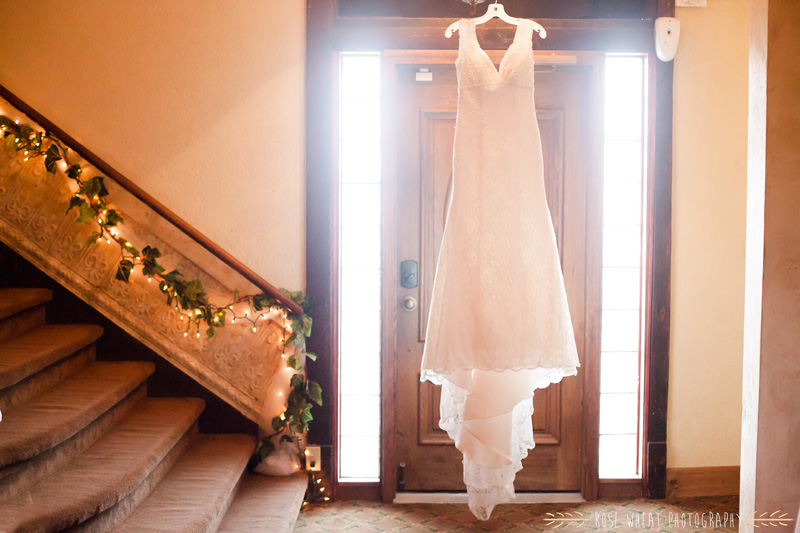 13.+wedding_dress_door.jpg