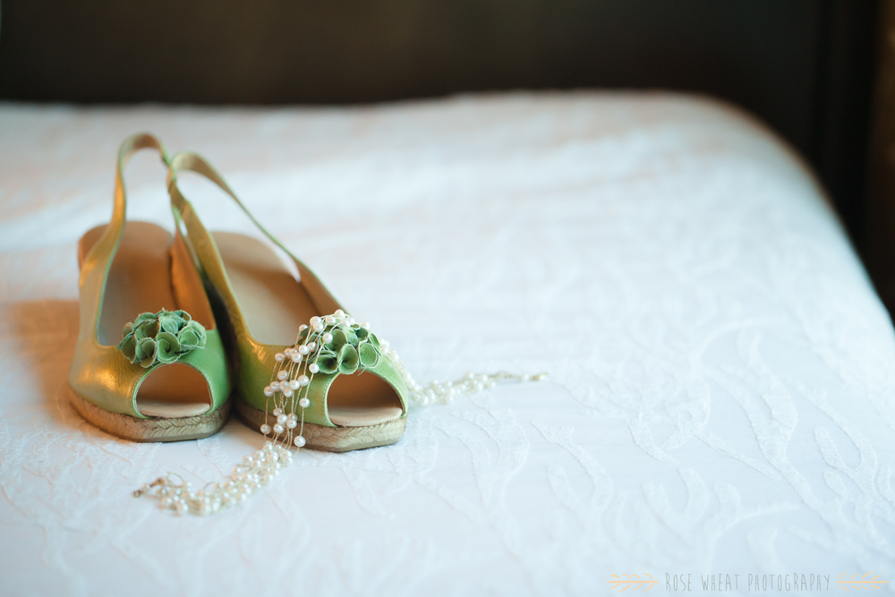 12. Green_wedding_shoes_pearl_necklace_hilton.jpg