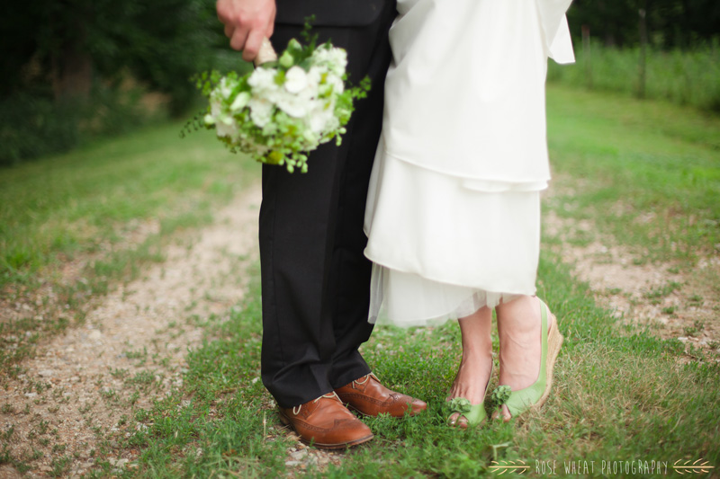 30. green_wedding_shoes_bouquet_feet.jpg
