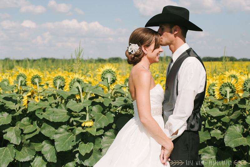 27. bride_groom_sunflower_field_ks-1.jpg