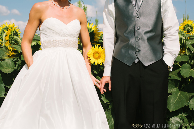 27. bride_groom_sunflower_field_ks-2.jpg