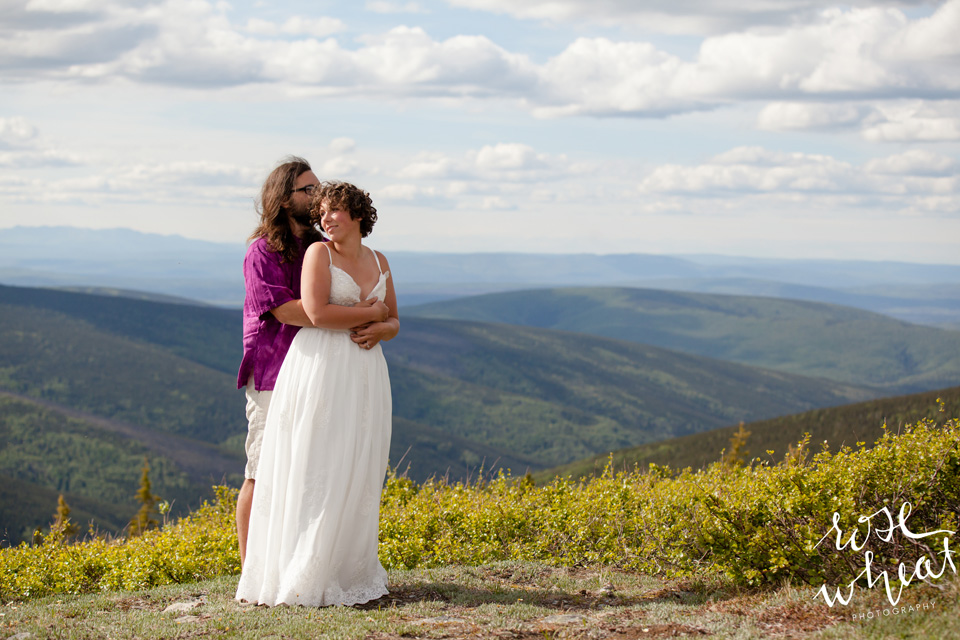 15. MURPHY_Dome_Wedding_Fairbanks_Alaska-4.jpg