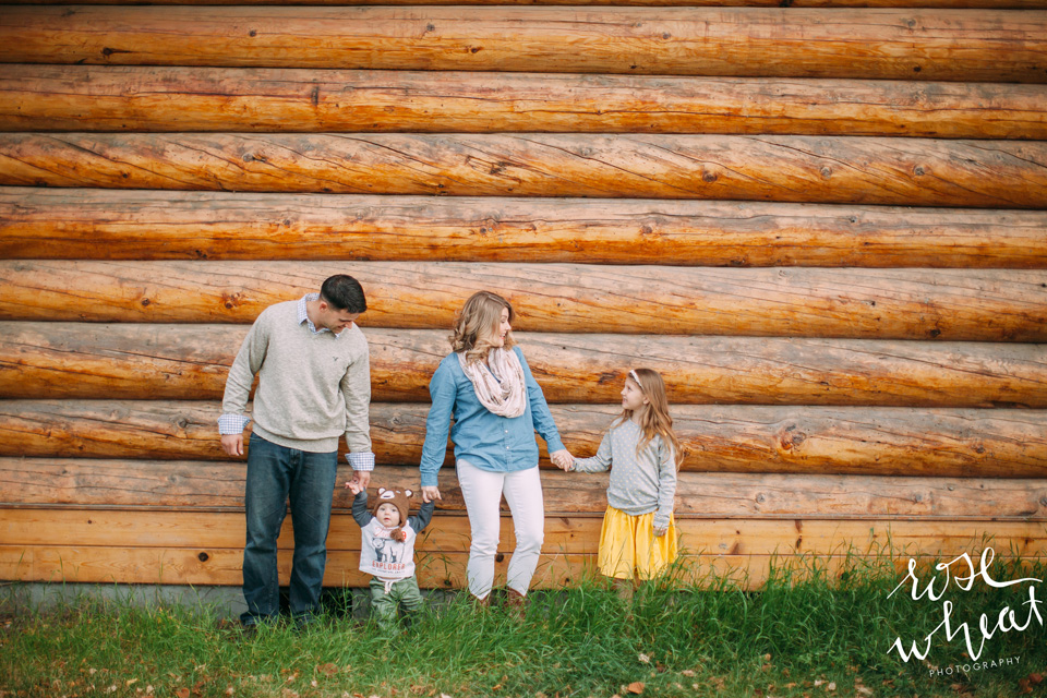11. Fairbanks_Family_Photographer_Gap_Outfit_Inspirtation.jpg