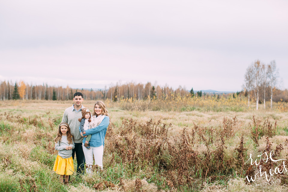 15. Fairbanks_Family_Photographer_Gap_Outfit_Inspirtation.jpg