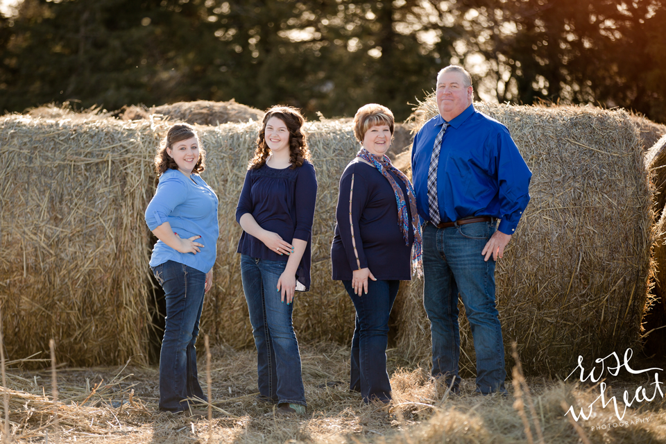 13.-Kansas_Farm_Family_Olmitz_Photography-5.png