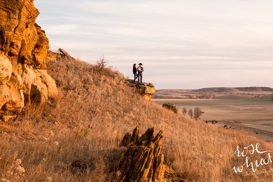 003.-Kansas_Prairie_Rock_Formations_Family_Session-5.png