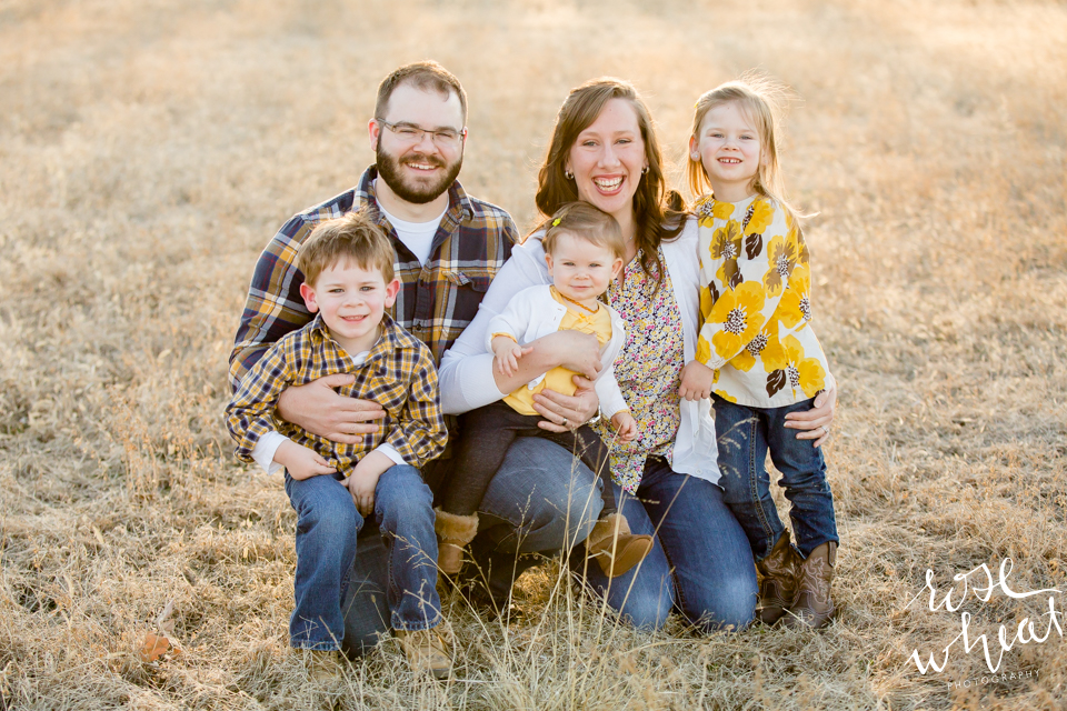 001.-Kansas_Prairie_Field_Family_Session_Rose_Wheat_Photography-1.png