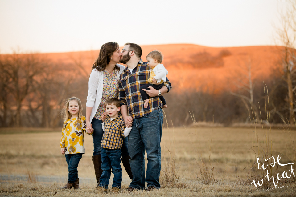 003.-Kansas_Prairie_Field_Family_Session_Rose_Wheat_Photography-2.png