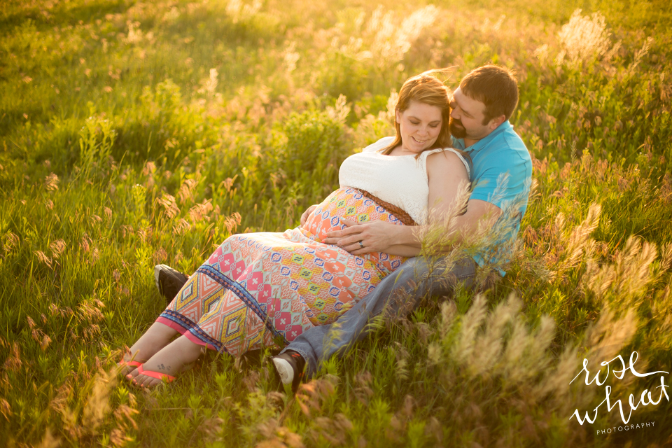 004. Kansas_Prairie_Pasture_Maternity_Session_Summer.jpg-1.jpg