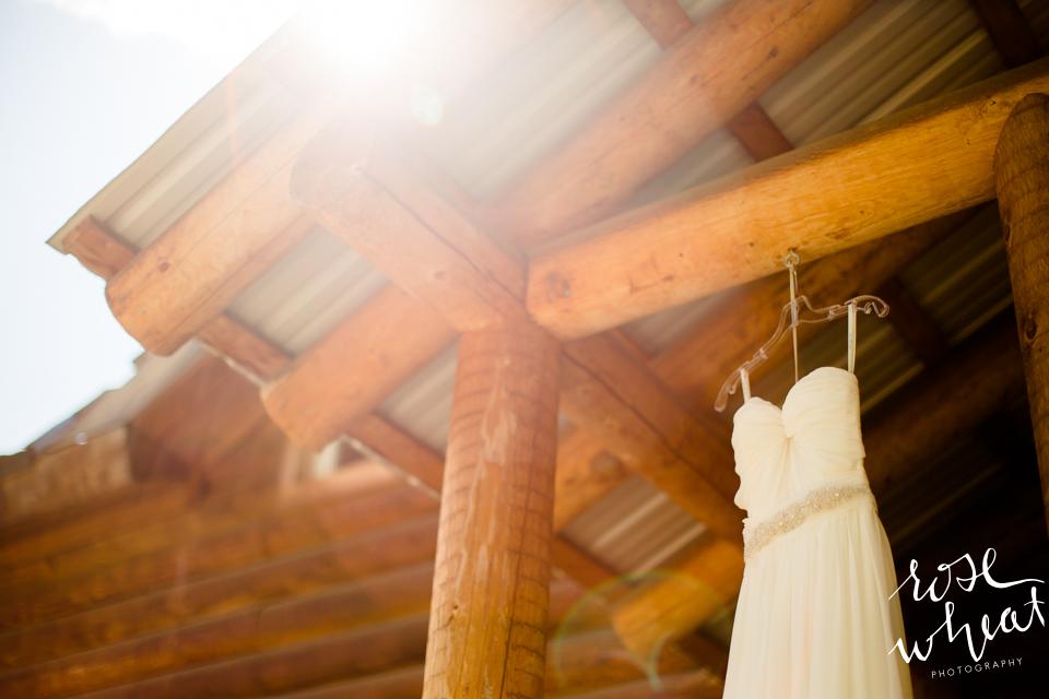 001. FAIRBANKS_AK_NATURAL_LIGHT_WEDDING_Getting_ready-01.jpg