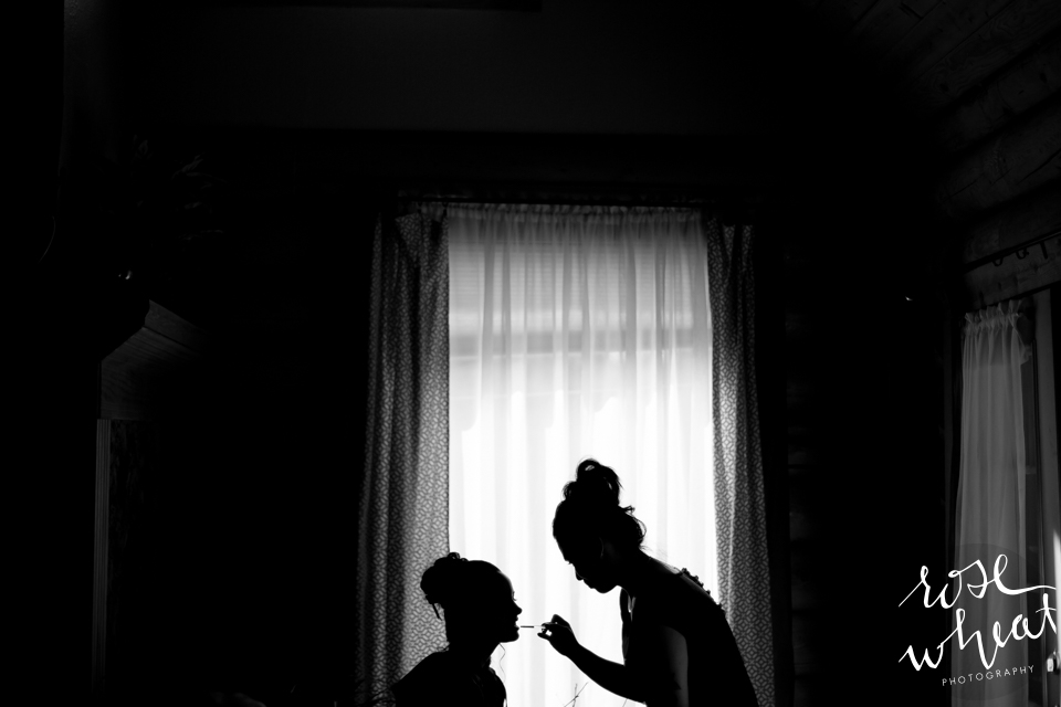 001. FAIRBANKS_AK_NATURAL_LIGHT_WEDDING_Getting_ready-03.jpg
