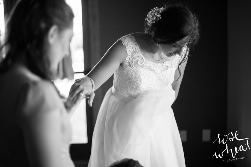 003. Wedding_getting_ready_lifes_Finer_moments-3.jpg