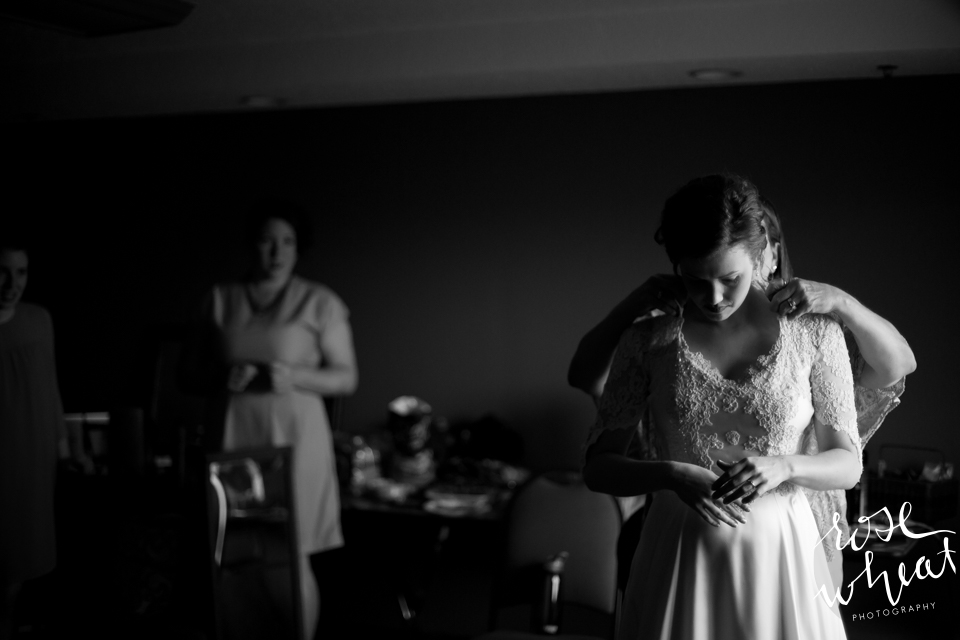 003. bRide_Getting_ready_Hotel.jpg