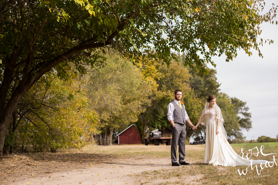 011.  Fall_Emma_Creek_Barn_Kansas-2.jpg